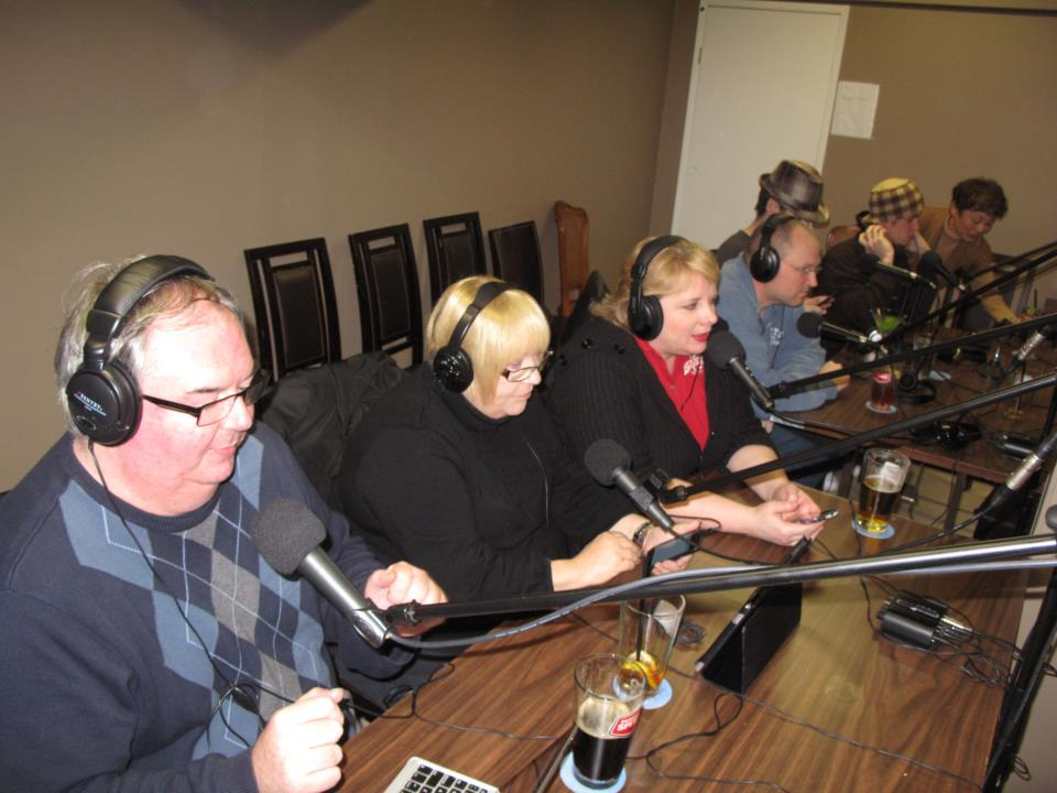 Round Table Podcast.126 The Bunker Project Netflix Second Screeners And Smart Phone